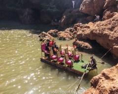 Os barcos improvisados, nas cacatas de ouzoud, no marrocos