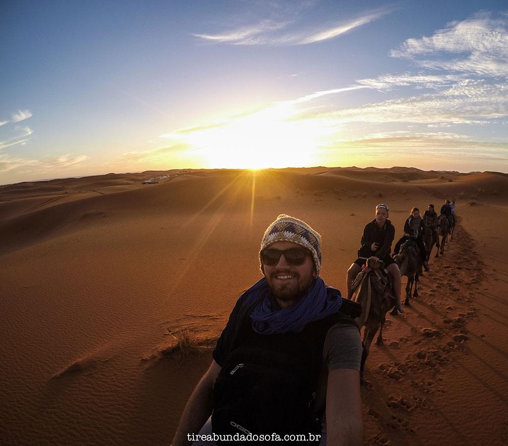 passeio de camelo no marrocos, acampar no deserto do sahara, tour pelo marrocos