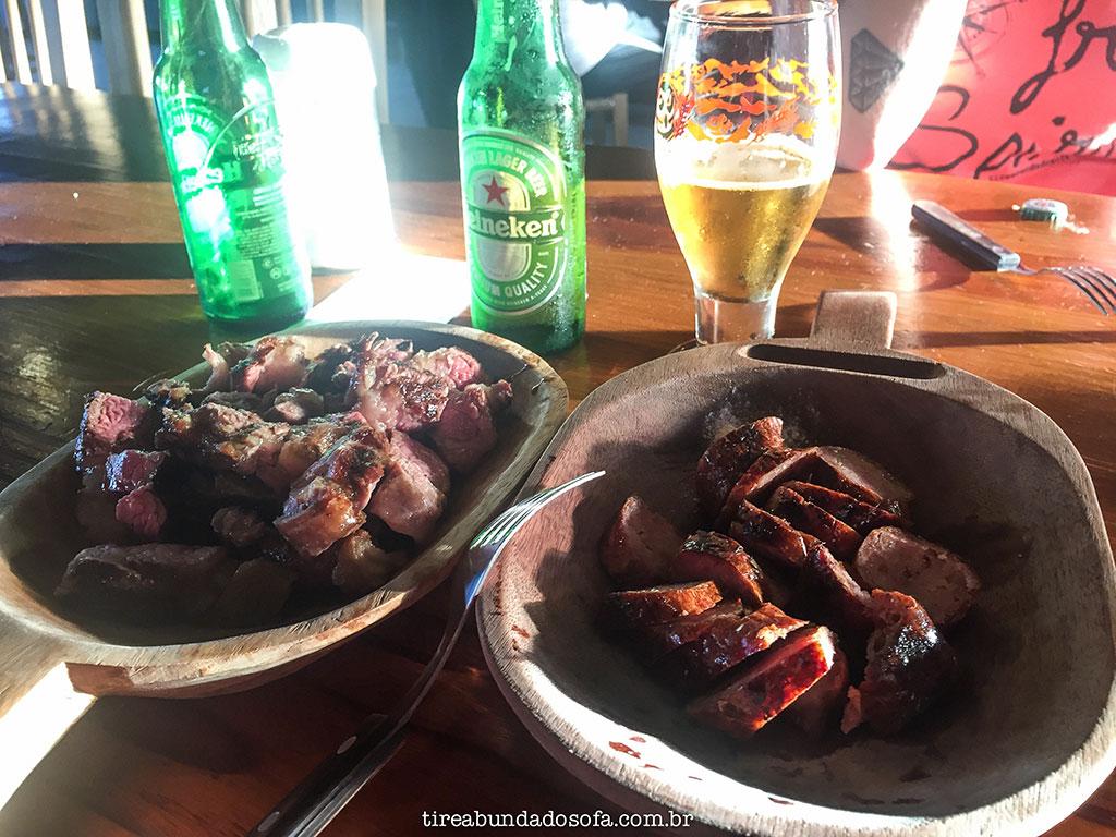 linguicinha de porco com pinhão, filé de gado, churrasco, estância felicidade, onde comer em cambará do sul, rio grande do sul, terra dos cânions
