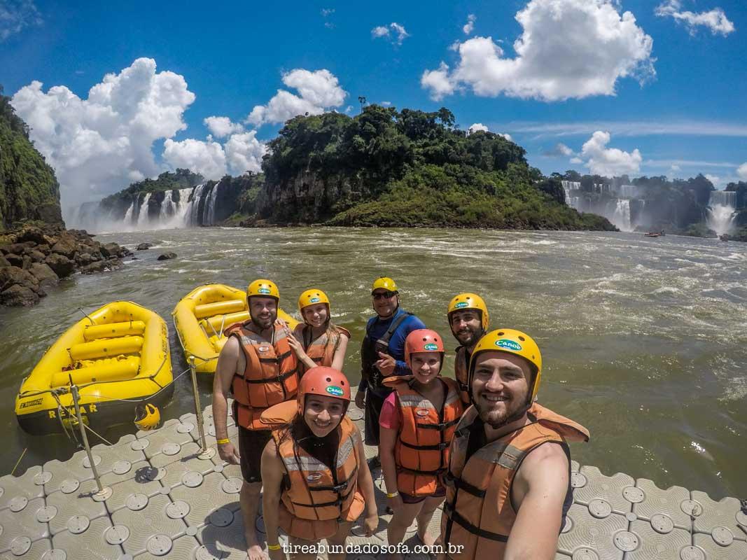 Pessoal se preparando para rafting nas cataratas do iguaçu