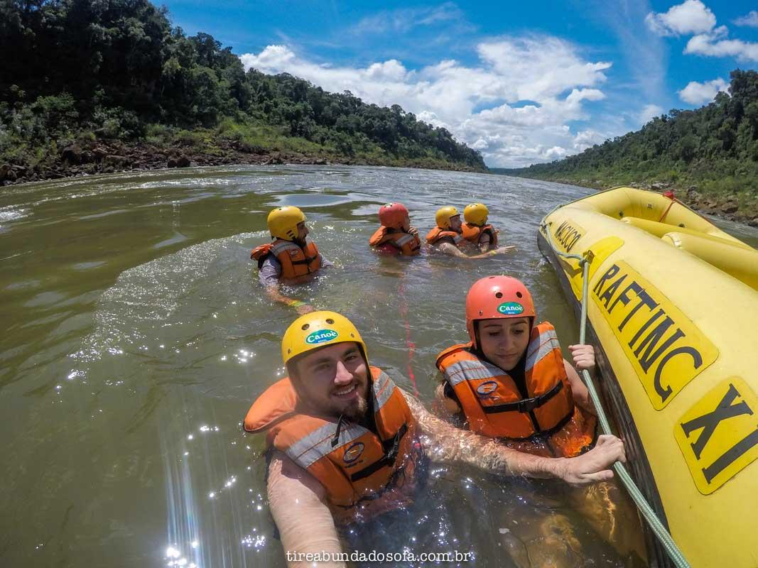 boiando no rio iguaçu