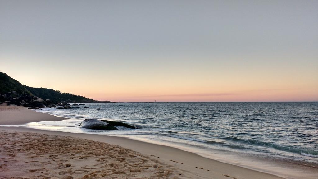Praia de taquaras, em balneário camboriú