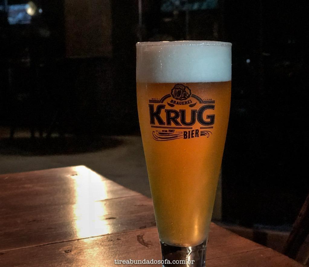 copo de cerveja pilsen, no bar da krug bier, em belo horizonte, minas gerais