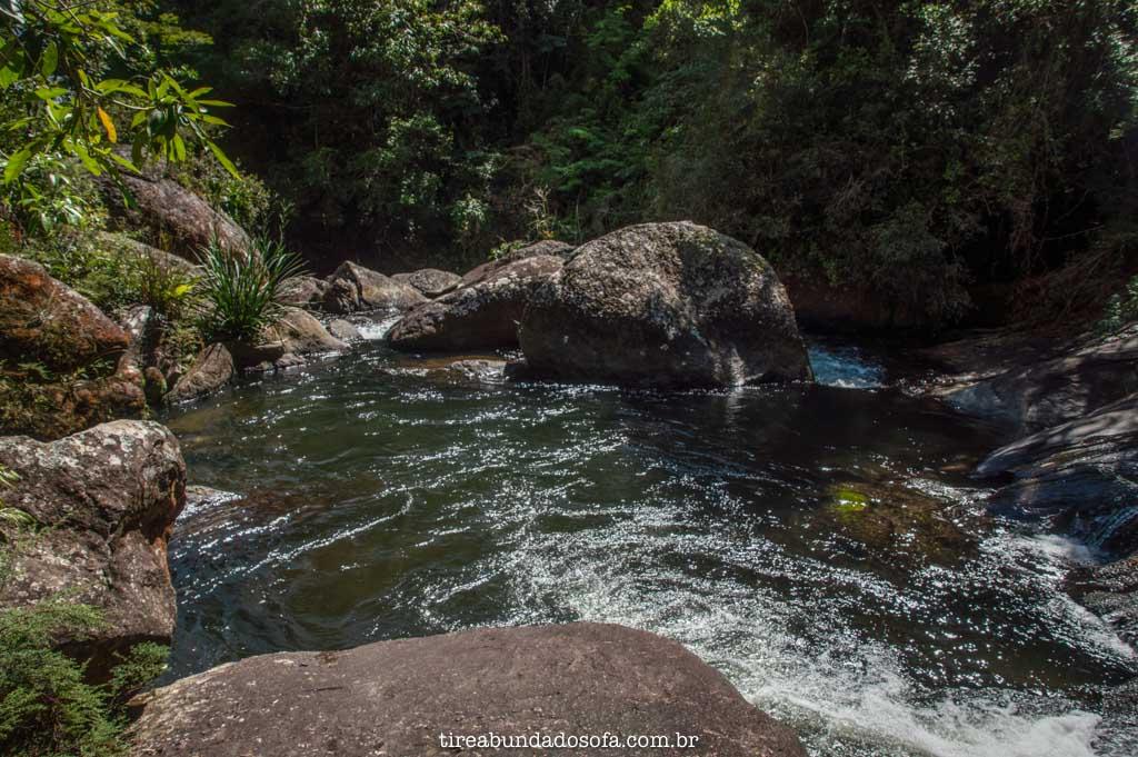 Pocinho para banho, na cachoeira dos macacos, em aiuruoca, minas gerais