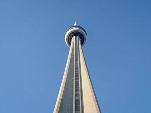 foto da cn tower em toronto no canadá