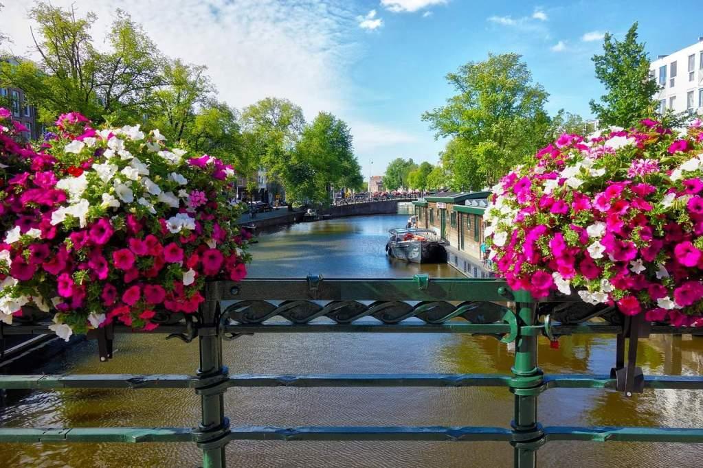 Belíssima cidade de Amsterdam, na Holanda