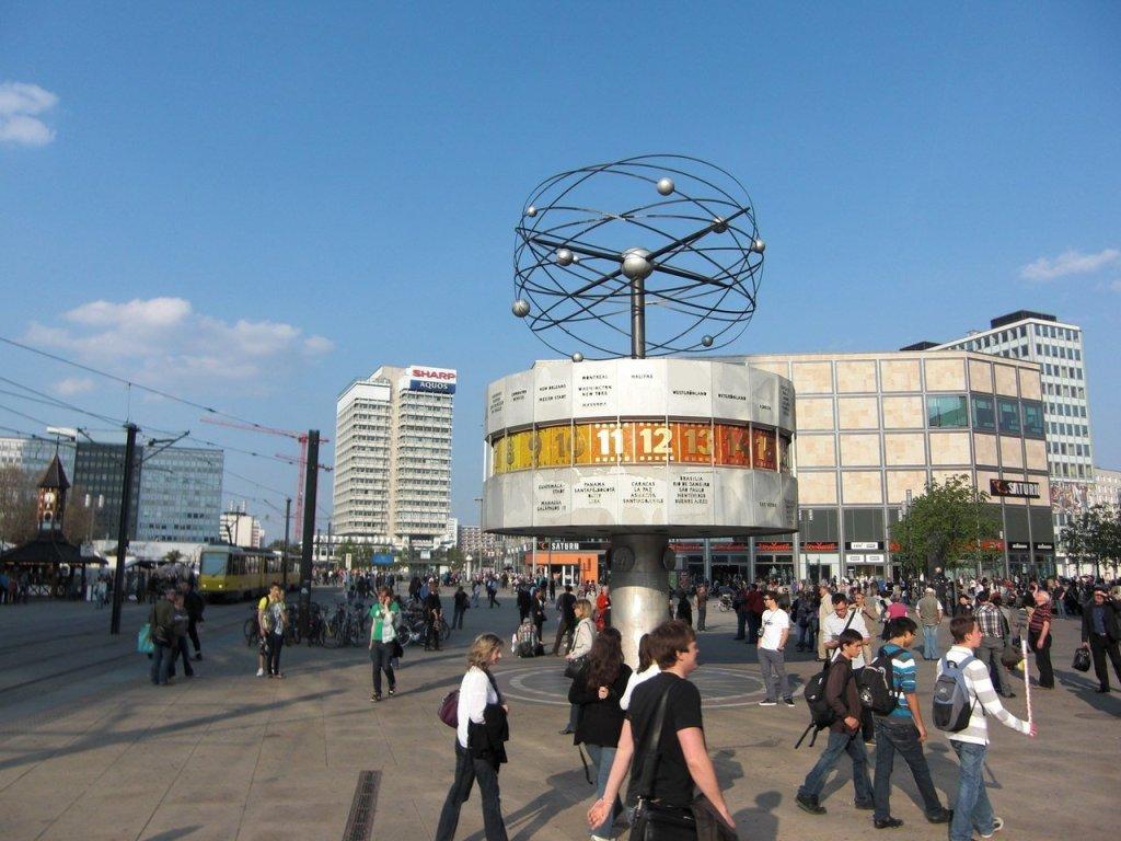 AlexanderPlatz e Berliner Fernsehturm na Alemanha