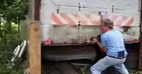 1974 Pantera DeTomaso Found In A Truck Trailer 2