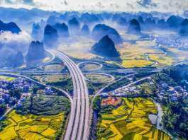 Hepu Napo Expressway - Probably The Most Beautiful Highway In The World 1