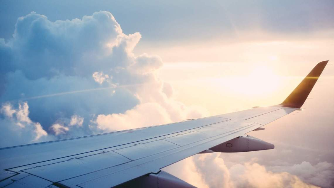 5 things to keep your kids entertained on a plane