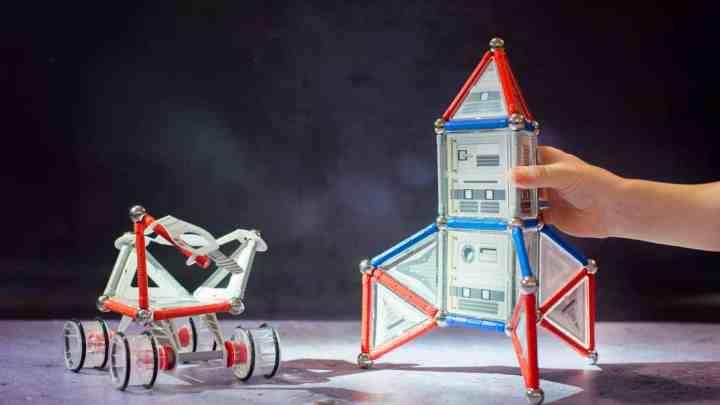 Geomag NASA Rocket and Rover sets – Giveaway