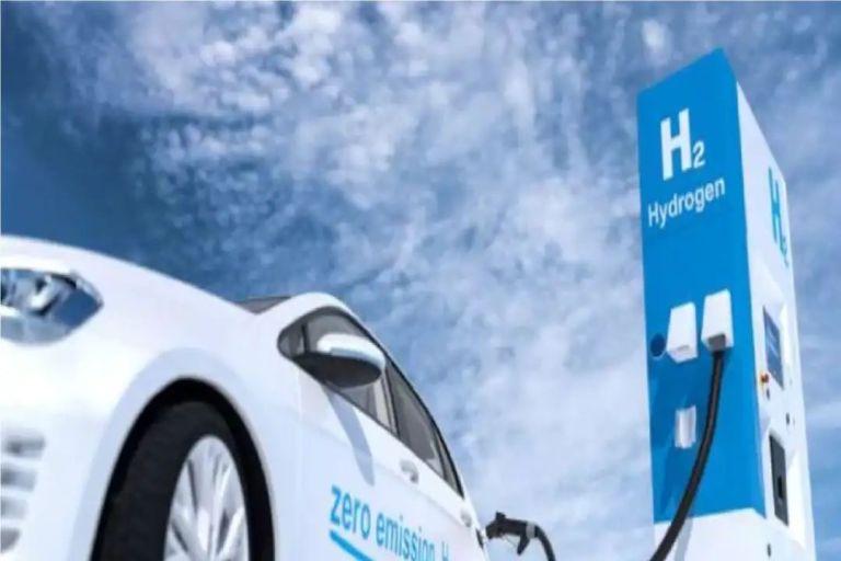 पेट्रोल-डीजल का नहीं रहेगा कोई 'भाव', 2030 तक 'पानी' से दौड़ेंगे बस-ट्रक!
