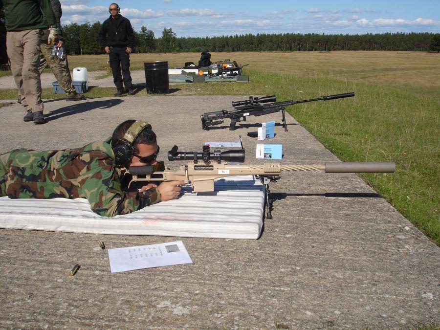 Estación de tiro con fusiles de francotirador. Tiro con el impresionante .338LM Timberwolf