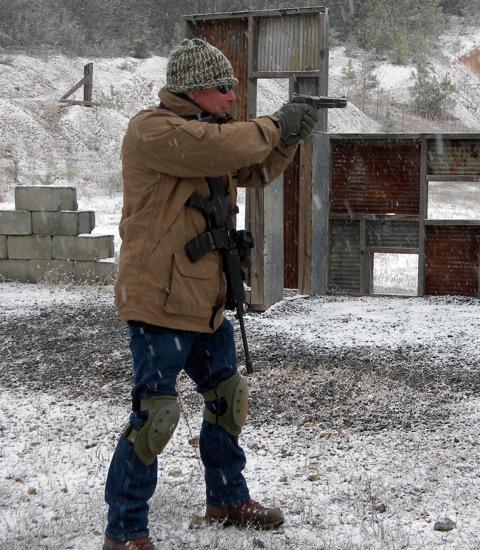 7. Recuerda que debes practicar bajo cualquier condición meteorológica. Trabajar con chaqueta, guantes y ropa holgada varía considerablemente. ©Tiger McKee