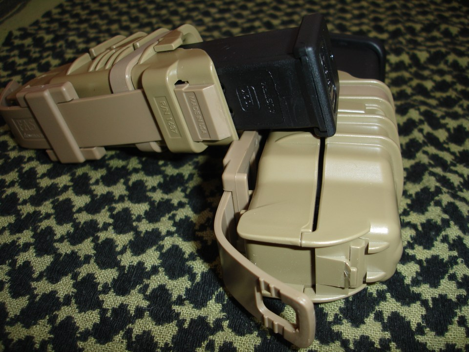 ITW FastMag Pistol con cargadores Glock G17.