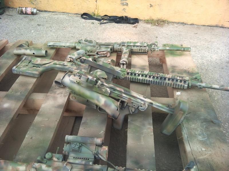 Proceso de pintado de las armas previamente a su despliegue en Afganistán. 3rd Bn, 69th Armor Regiment, 1st Armored Brigade Combat Team, 3rd Infantry Division.