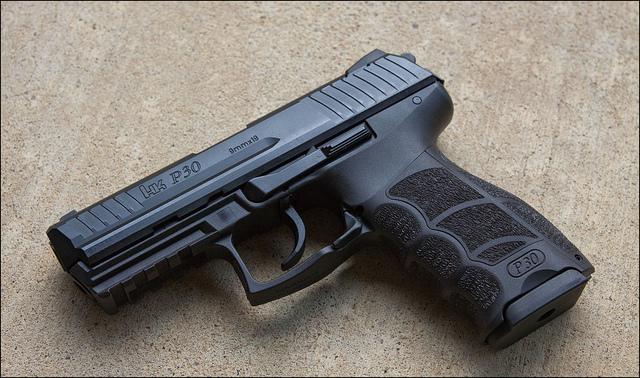 Pistola semiautomática HK P30.