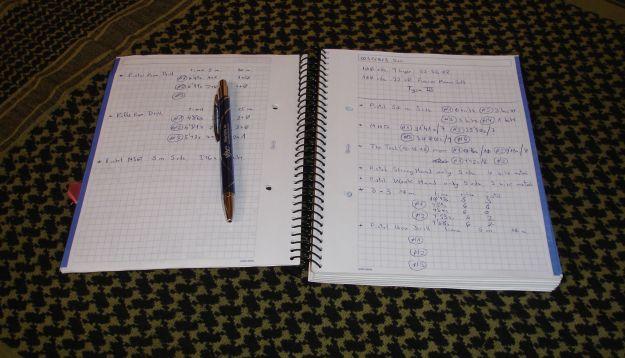 Bolígrafo y libreta (2)
