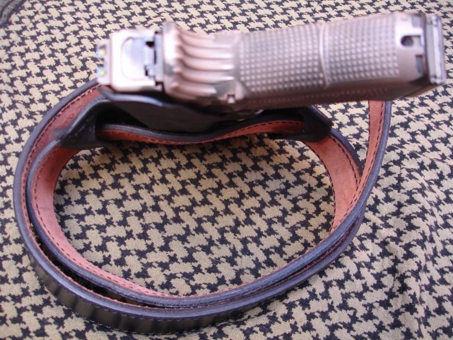 Fundas Cabrero. Funda pistolera modelo FP-200 en Kydex para pistola G17.