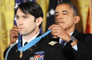 Capt. William Swenson receives Medal of Honor
