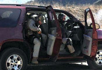 El cinturón de seguridad se quita 30 segundos antes de llegar a la posición prevista para poder desplegar rápidamente en caso necesario.