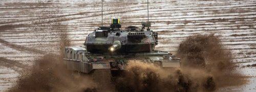 Alemania todavía quiere sus carros de combate Leopard. La Bundeswehr saca carros antiguos de los almacenes para modernizarlos.