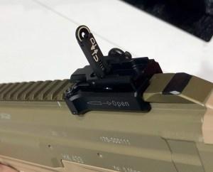 Alza abatible del fusil HK 433 expuesto en la feria Enforce Tac 19 1