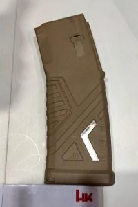 Cargador HK de polímero del fusil HK 433 expuesto en la feria Enforce Tac 19 2