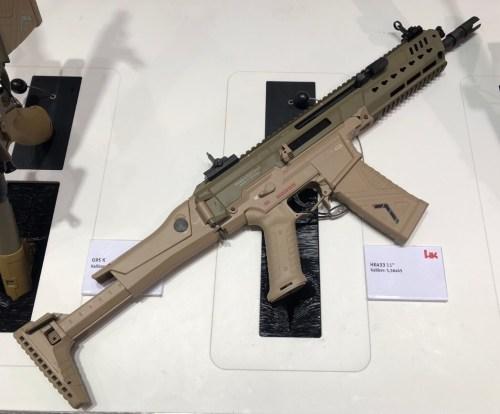 Fusil HK433 exhibido en la feria Enforce Tac 19