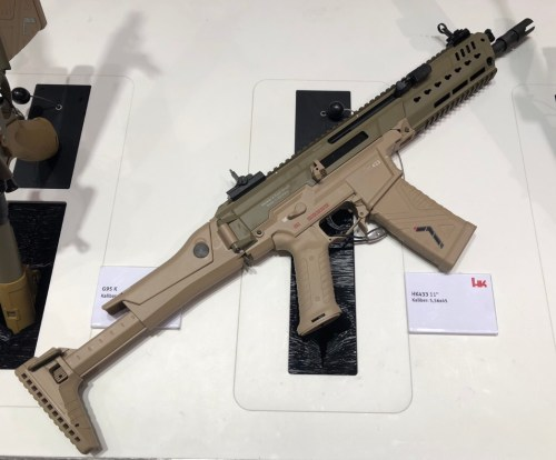 Fusil HK433 exhibido en la feria Enforce Tac 19