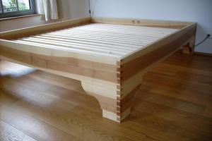 Bett in Kernesche