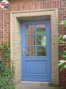 Einbruchsichere Haustür in blau