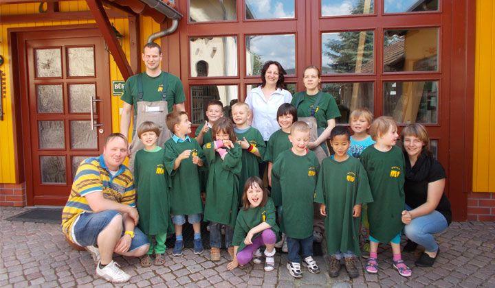Kinderbesuch des Evangelischen Waldkindergartens aus Joachimsthal in der Tischlerei Wrensch. Es war ein toller Tag !