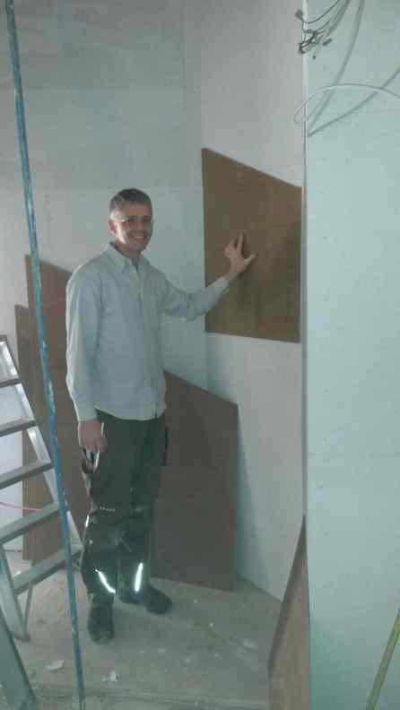 Schablonen für die Lampen unter der Treppe