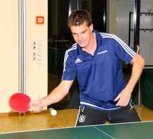 Thorsten Neidert überragte mit zwei Einzelsiegen im hinteren Paarkreuz und war einer der Garanten für den Derbysieg des TSV Hirschhausen II gegen Drommershausen