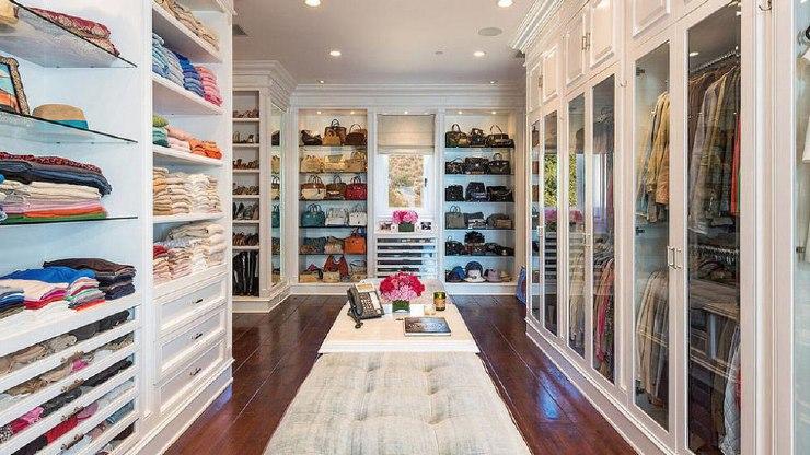 Beautiful dressing room