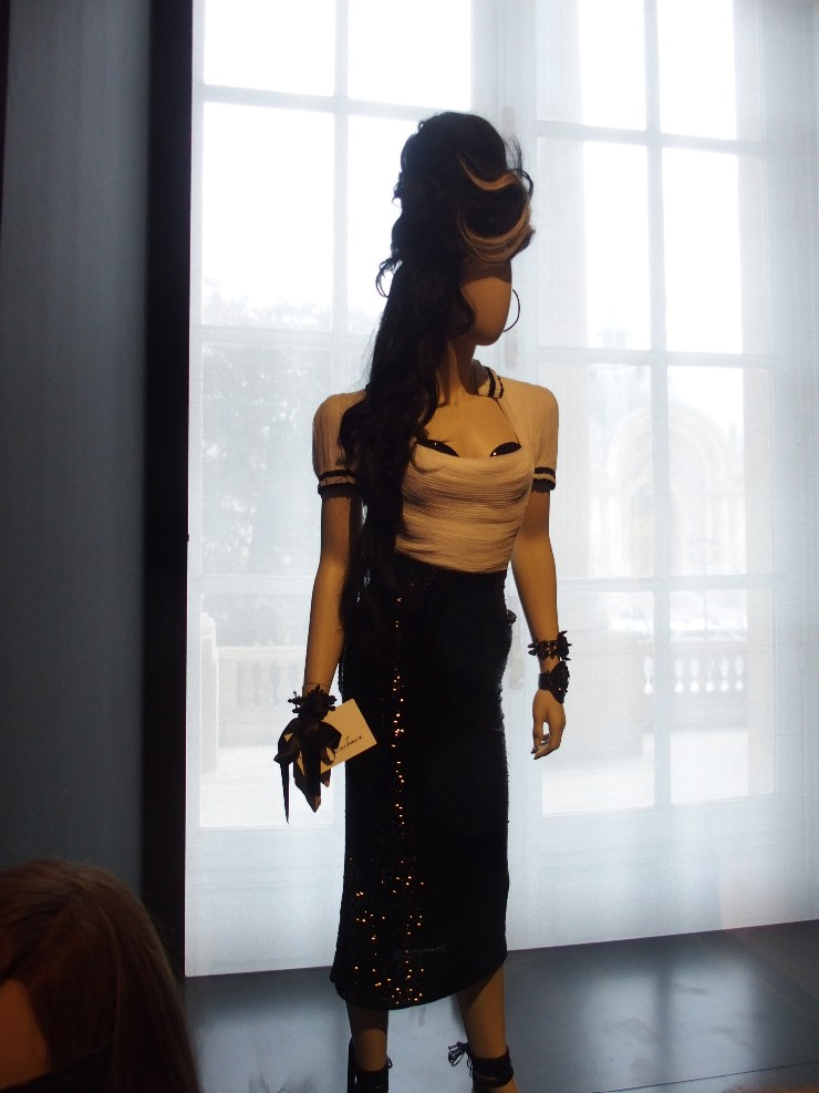 Amy Winehouse mannequin