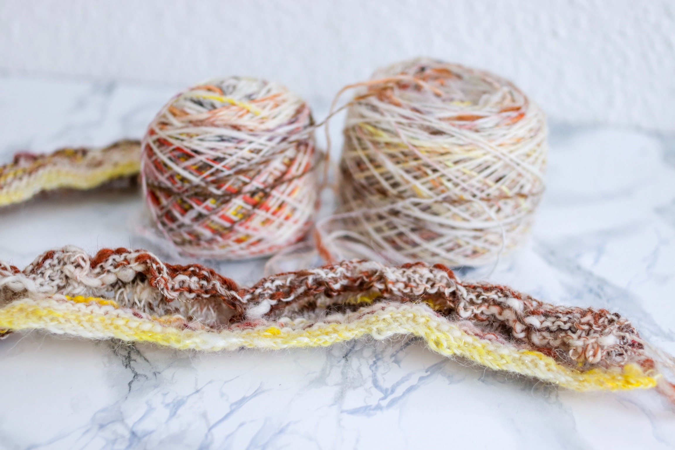 Handling highly variegated yarns and how frogging is part of the creative process. Try, learn, improve.