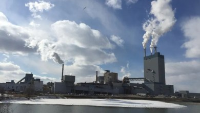 , Dryden and Domtar talk about a way to keep the factory viable