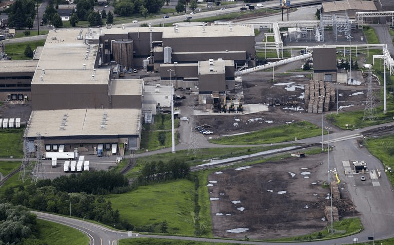 , ST Paper LLC celebrates the acquisition of  Verso Corporation's idled Duluth Mill