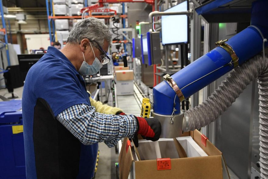 , US manufacturing production rises in April