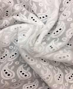 Broderie anglaise blanche 19