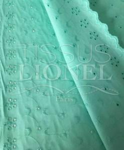 Tissu broderie anglaise aqua