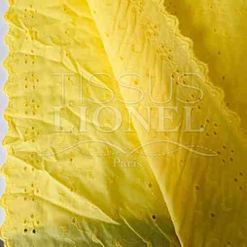 Tissu broderie anglaise jaune pâle