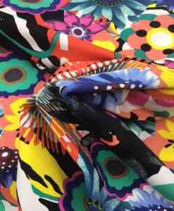 Tissu gabardine de coton élasthanne fleurs d'été