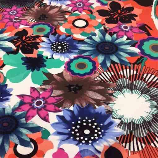 Tissu gabardine de coton élasthanne fleurs du printemps