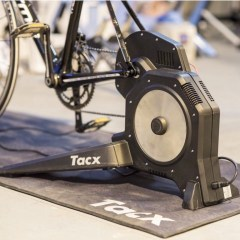 Tacx Flux Smart Turbo Trainer Review – Zwift Gear Test | TitaniumGeek