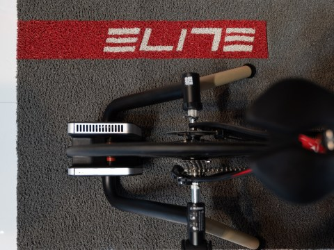 TitaniumGeek Elite TUO 13 of 21 Wahoo KICKR Review (Gen 2) | Zwift Gear Test   Kings New Handle Cycling Gear Reviews Smart Trainers Zwift  ZwiftGearTest Zwift Gear Test Zwift Wahoo Turbo Trainer Turbo training Smart trainer KICKR indoor cycling cycling   Image of Elite TUO 13 of 21