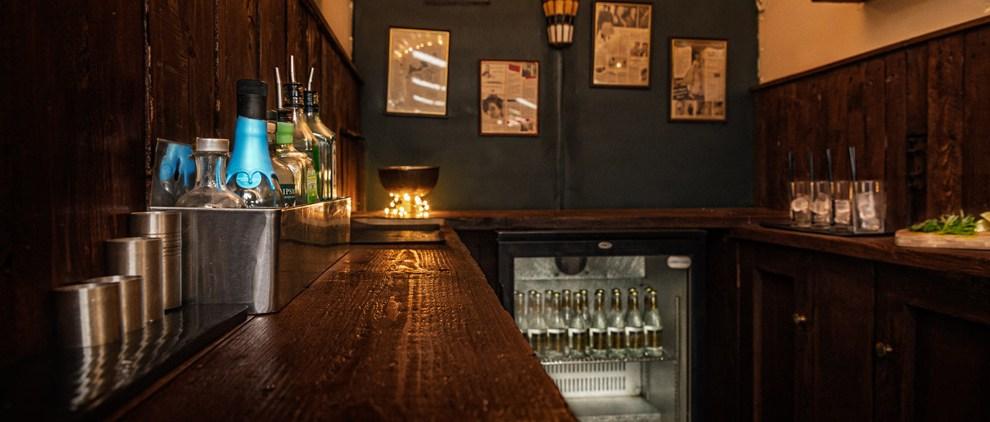 gin bar horsebox
