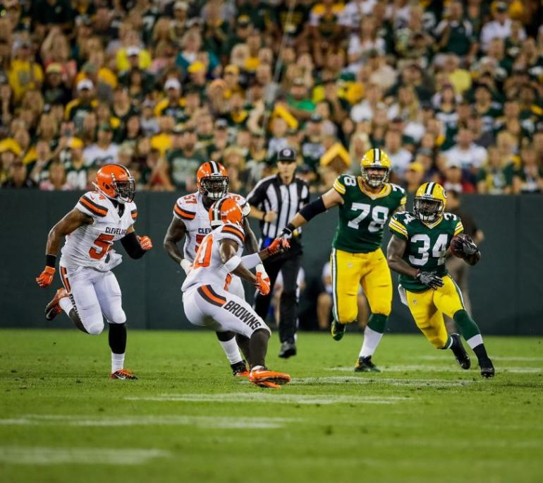 temp160812-packers-browns-second-group-siegle-11--nfl_mezz_1280_1024